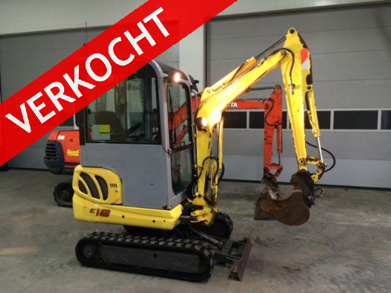 New Holland/ Kobelco E18